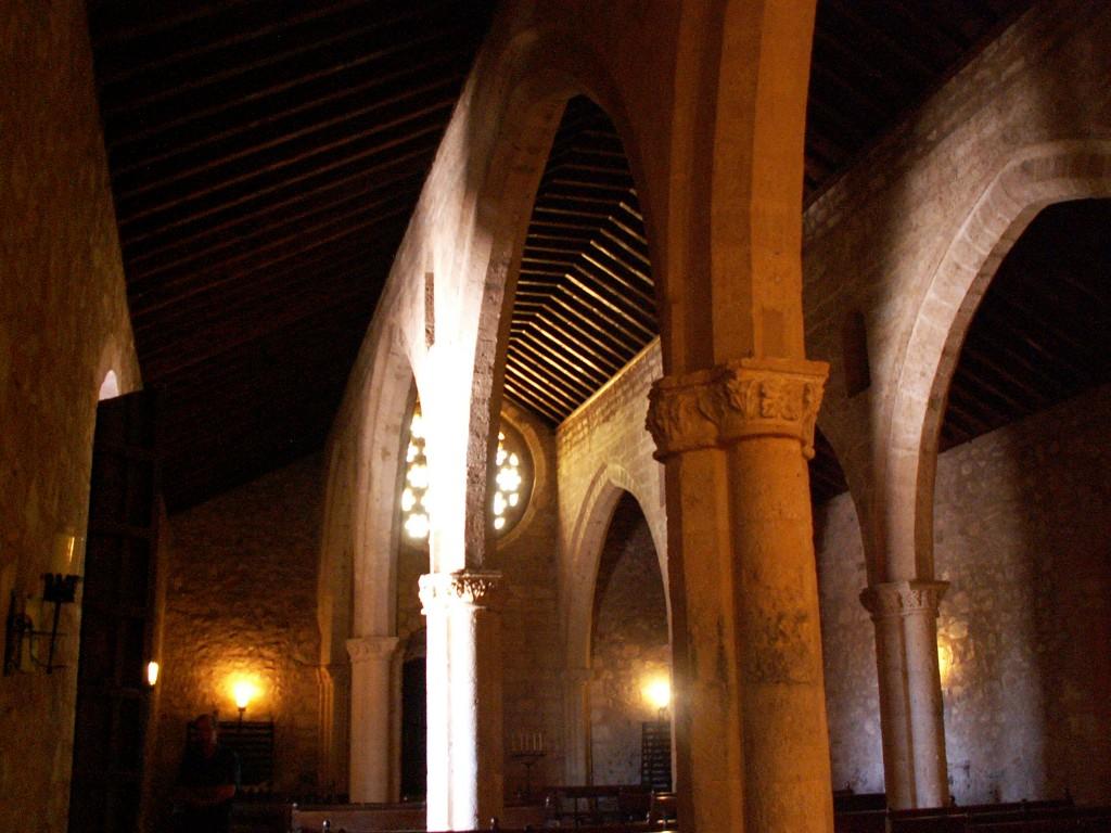 Interior de la Ermita de Alarcos