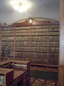 450px-bibliothek_kalocsa