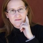 """Entrevista a Luz Gabás, autora de """"Palmeras en la nieve"""""""
