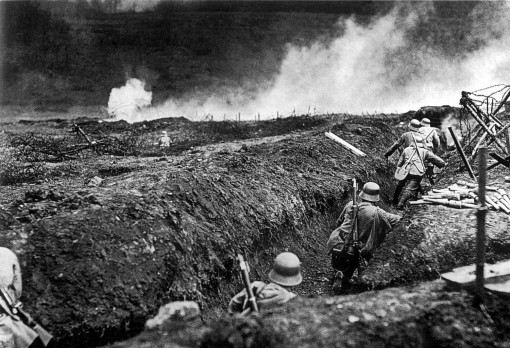 Tropas alemanas cerca de Sedan, Francia, Mayo de 1917.