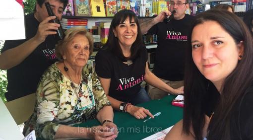 con Nieves Concostrina y Antonia