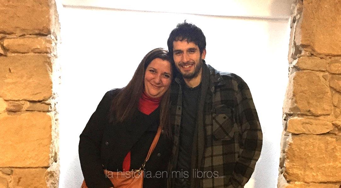 Con Álvaro Arbina, autor de La mujer del reloj.