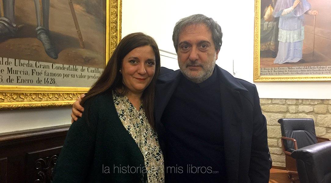 Junto a Javier Olivares, autor de Felipe. Heredarás el mundo y guionista de El ministerio del tiempo.