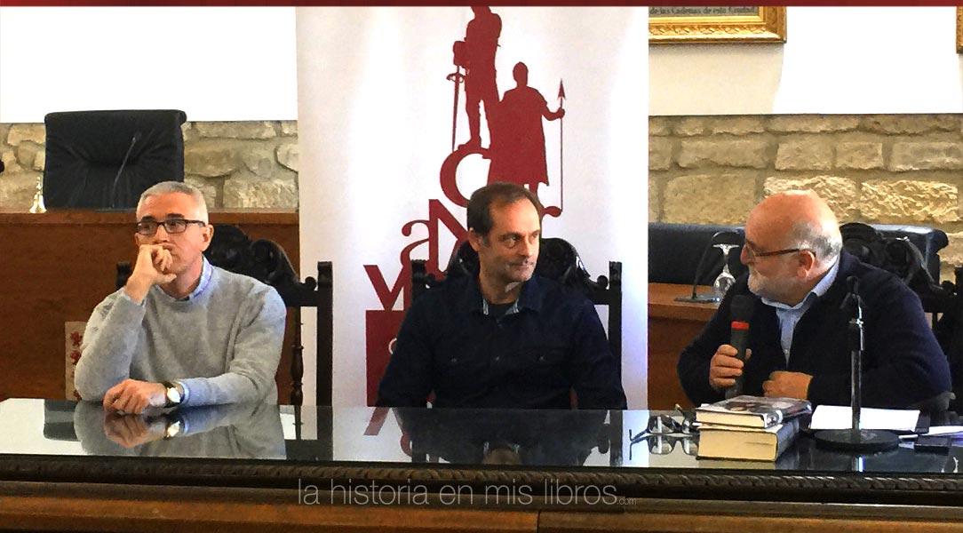 Sebastián Rosa y Emilio Lara presentando sus obras.