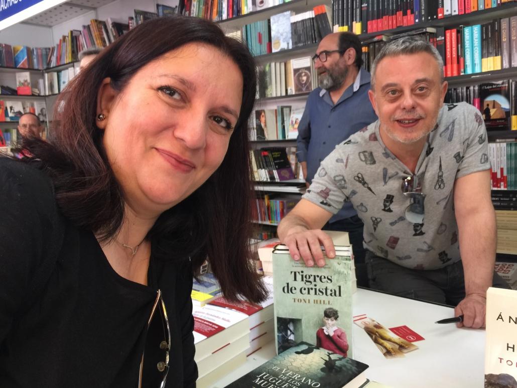 Con Toni Hill y sus «Tigres de Cristal»