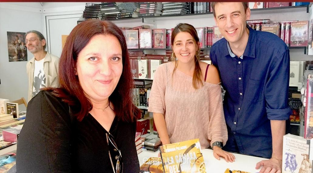 Un recuerdo con Rodrigo Palacios, su última novela «La cámara de oro» y Penélope Acero de Edhasa.