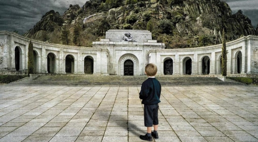 A tumba abierta, de Alfonso Domingo