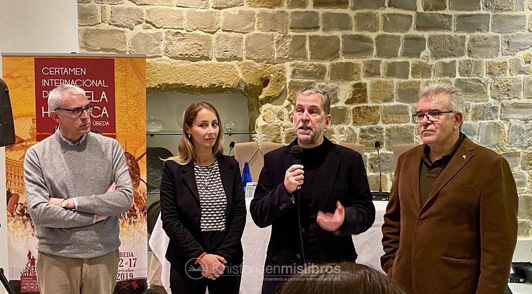 Acto de entrega del premio Los Cerros de Úbeda 2019 a I. Biggi por su novela «Valkirias»